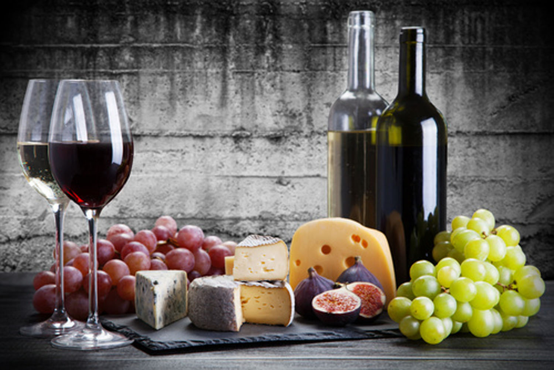 Sapore Catering, Tutzing - Käseplatte und Wein